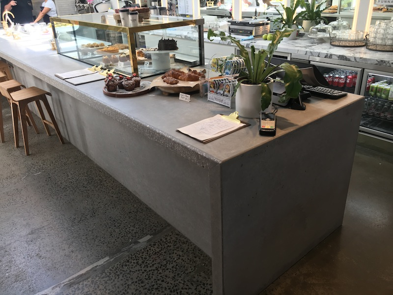 Concrete service counter zoobibi by dimano
